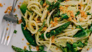 vegan artichoke pesto pasta