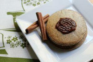 vegan cinnamon pear oat pancakes