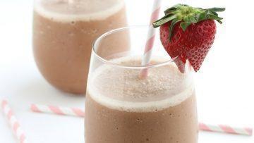 vegan raw cacao milkshake