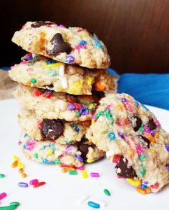 vegan chocolate chip sprinkle cookies