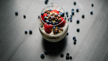 vegan coconut berries parfaits