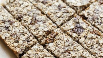 vegan berry granola bars