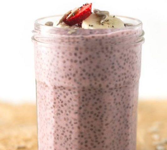 vegan strawberry chia pudding
