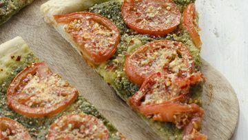 vegan pesto and tomato pizza