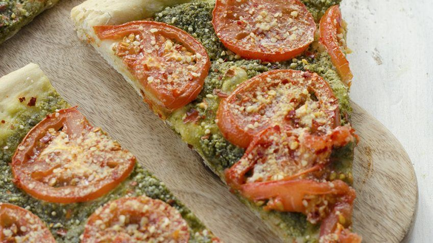 vegan pesto and tomato pizza