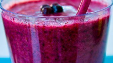 vegan blueberry smoothie