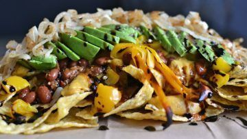 vegan chili cheeze nachos