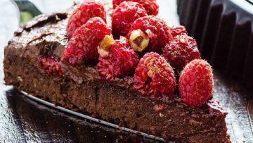 vegan healthy fudgy chocolate cake