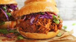 vegan pulled pork sandwich
