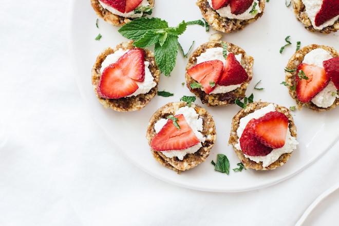 vegan raw strawberry tarts