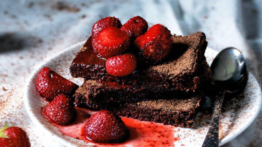 vegan strawberry brownies