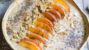 Vegan peach pie smoothie bowl